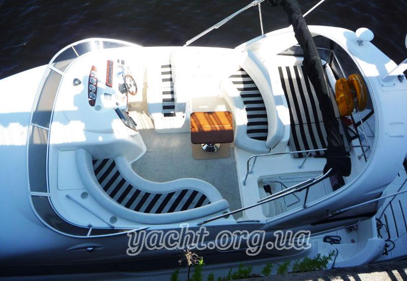 """Яхта """"Меридиан 411"""""""