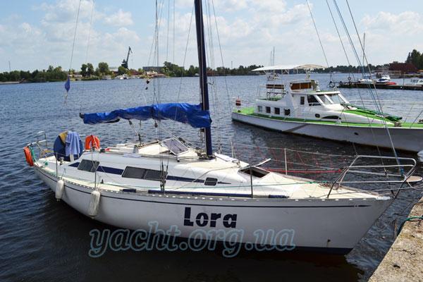"""Яхта """"Лора"""""""